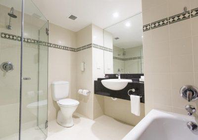 rydges-world-square-sydney bathroom